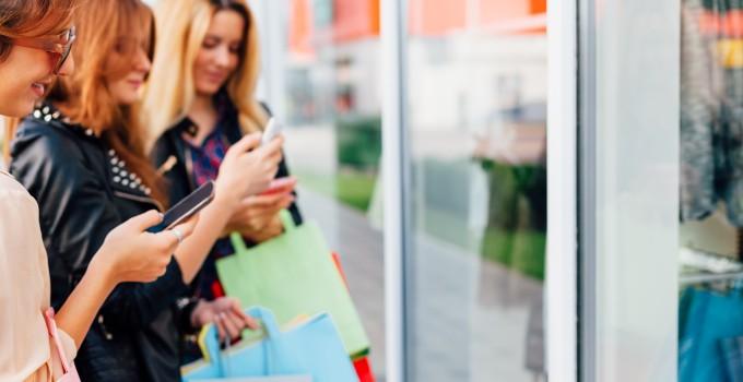 Soldes d'été 2016 : Quel comportement pour les jeunes shoppers ?